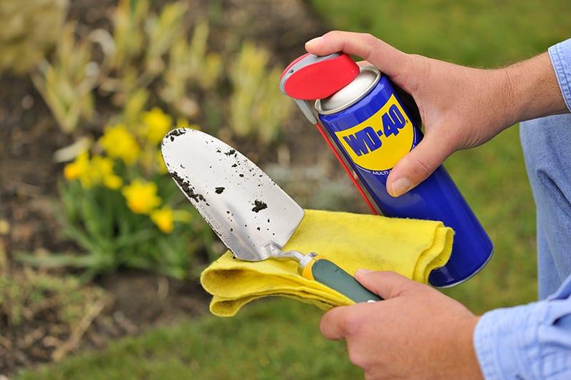 proteger las herramientas de jardín