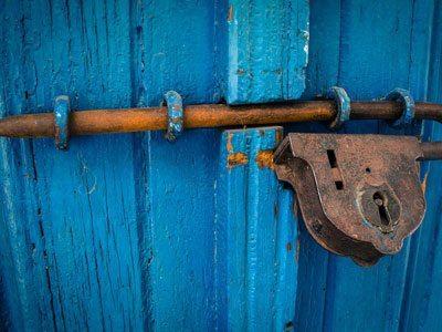 Rusty-Lock-wd40-lock-and-lube