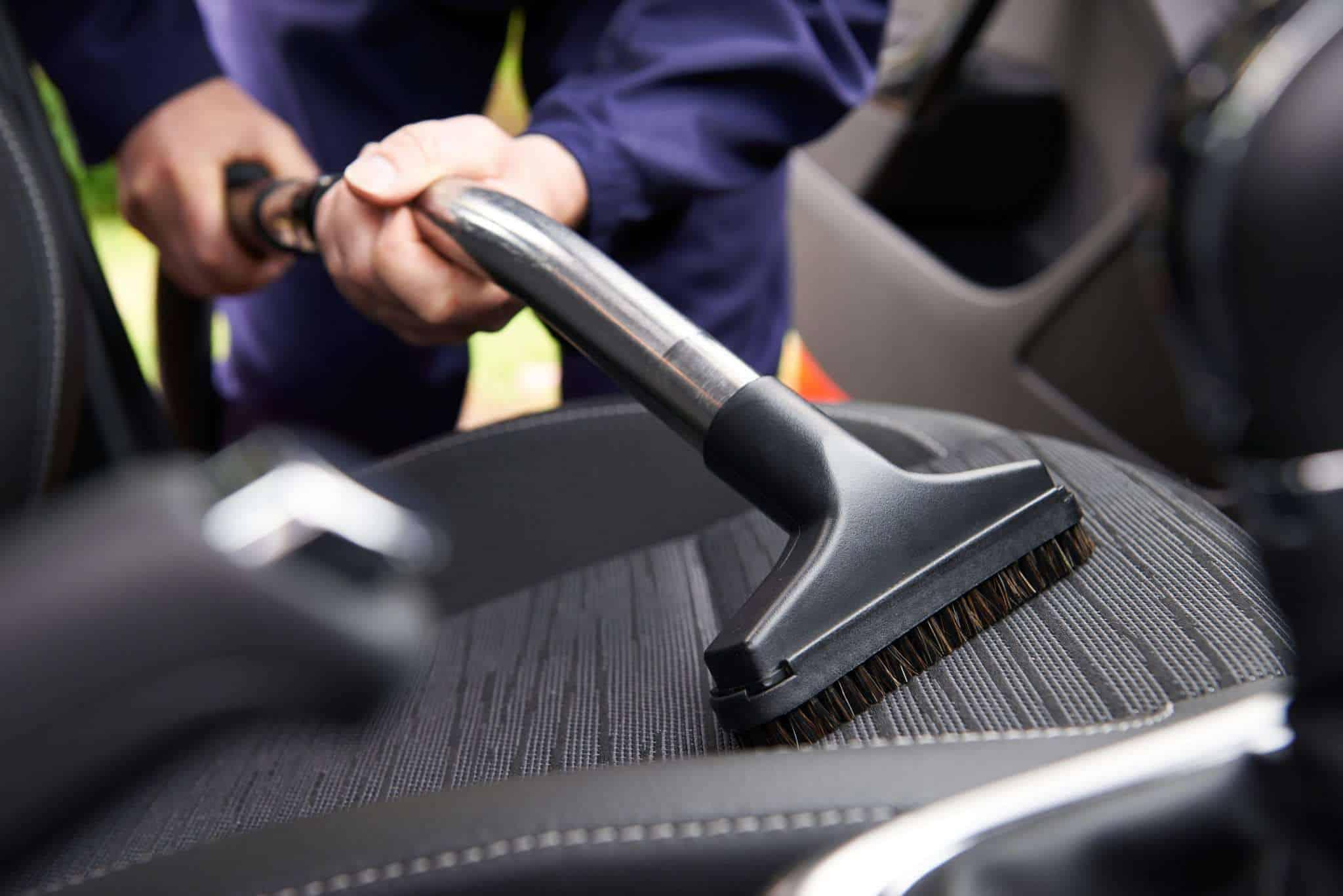 Nettoyer les sièges de voiture : le guide