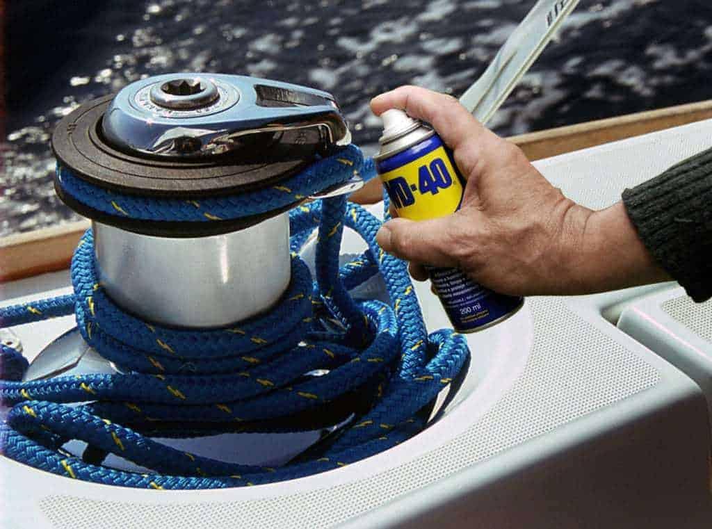 Astuces d'entretien du bateau avec WD-40