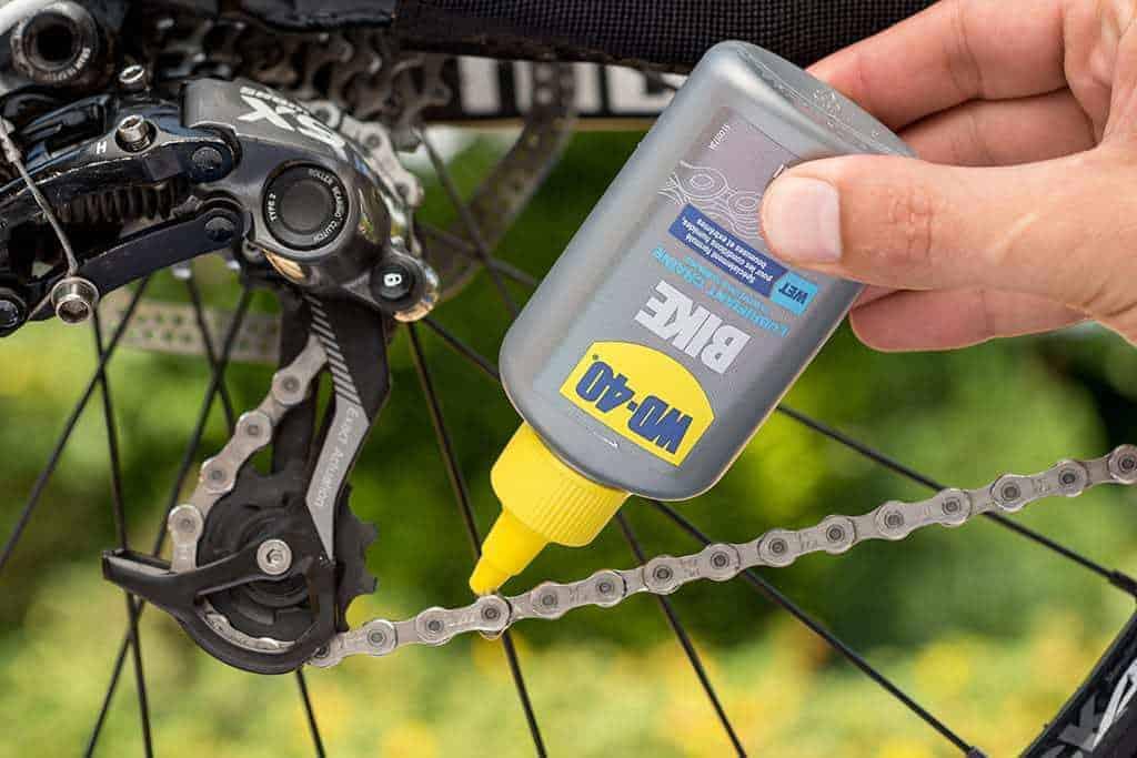 Comment lubrifier la chaîne de vélo avec WD-40 ?