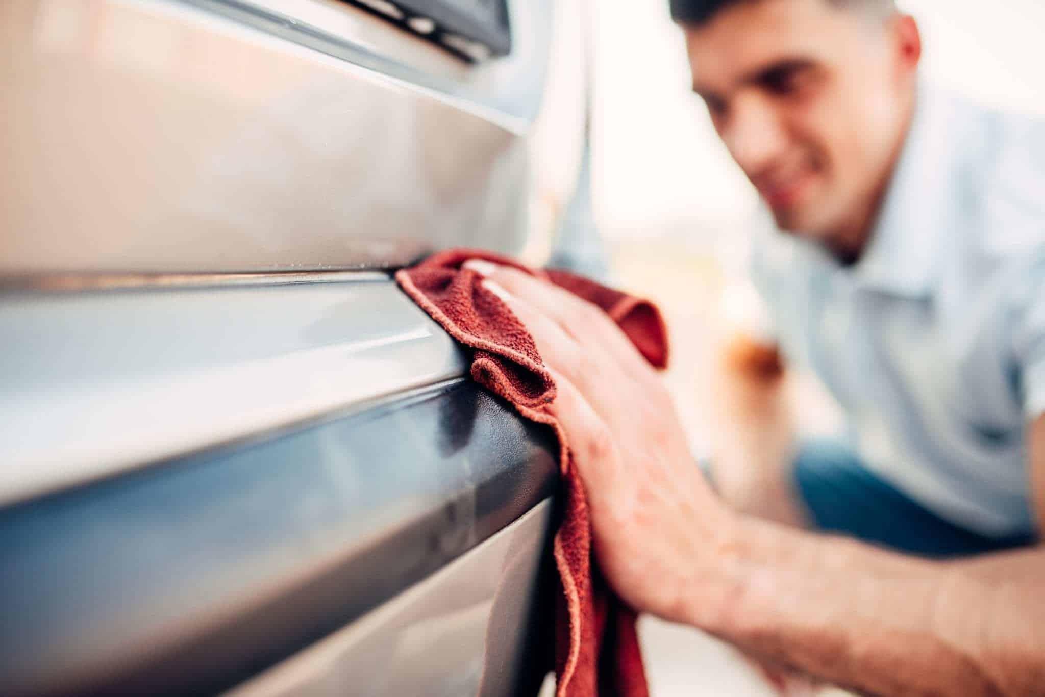 Astuces pour rénover les plastiques de la voiture