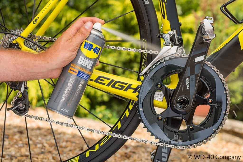 Dégraissant vélo : comment bien nettoyer la chaine et les freins ?