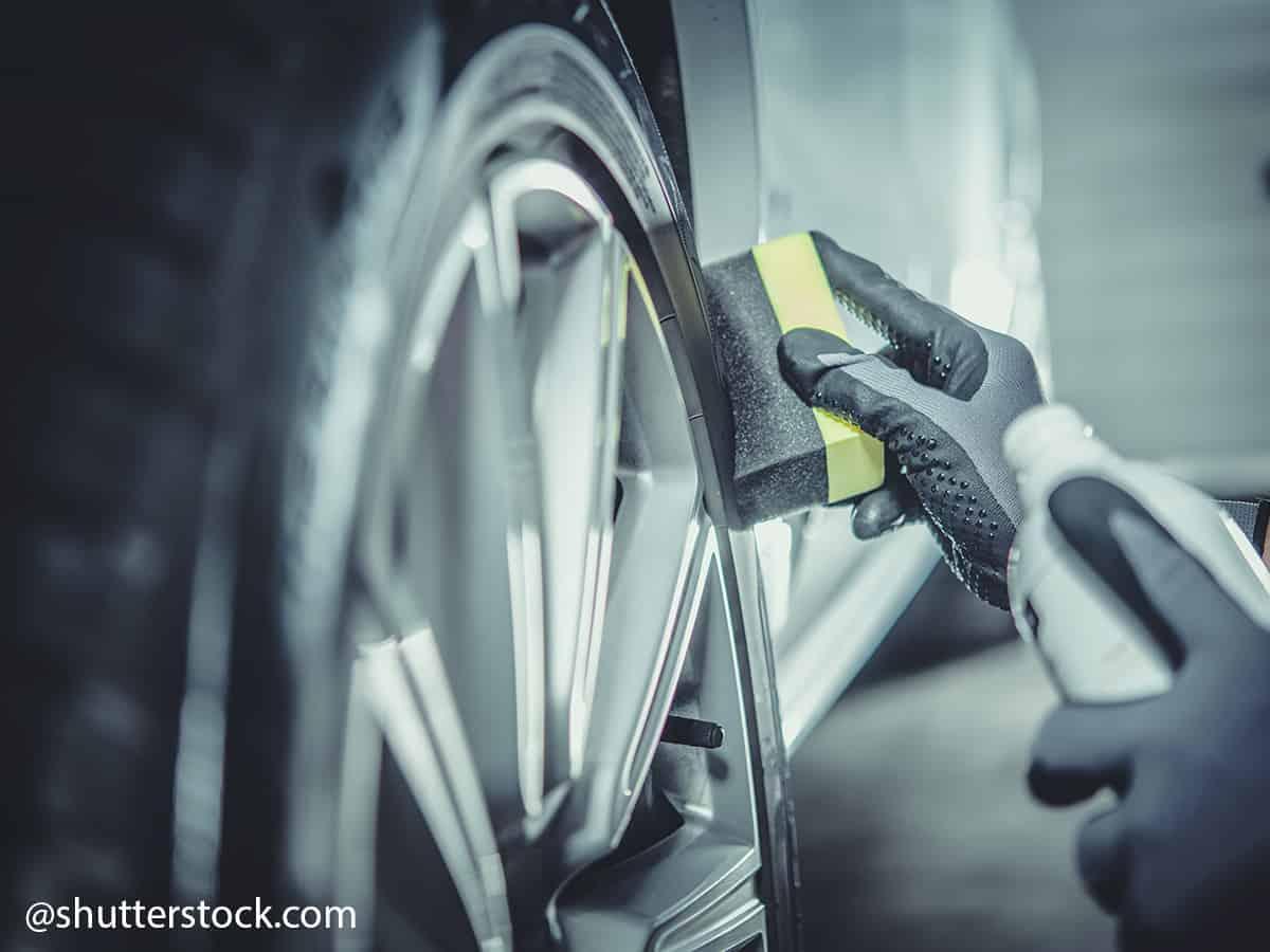 polir pneu voiture