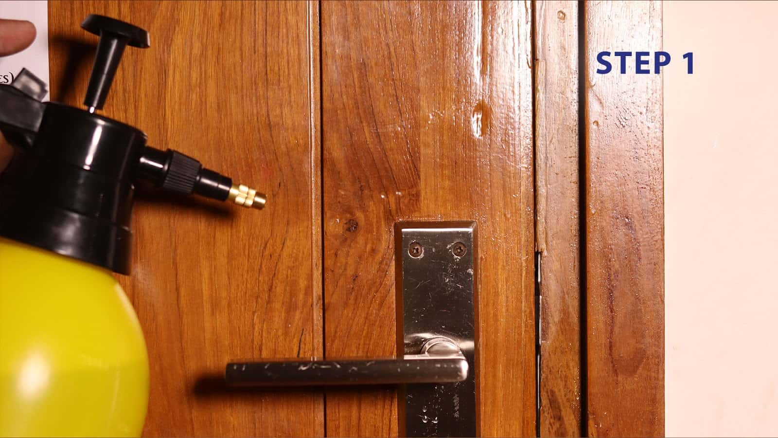 20 1228 wd40 blog door lock step 1