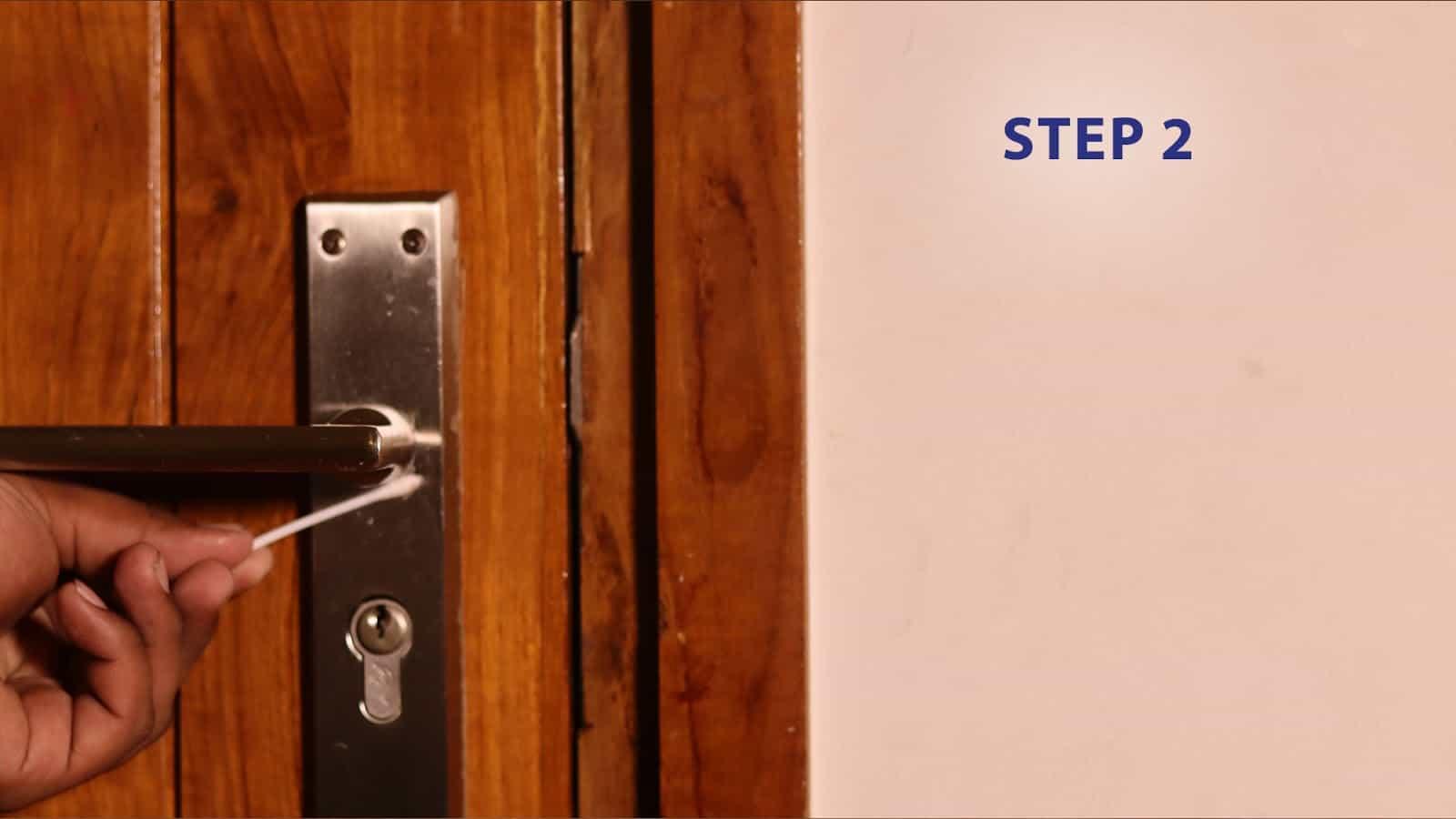20 1228 wd40 blog door lock step 2