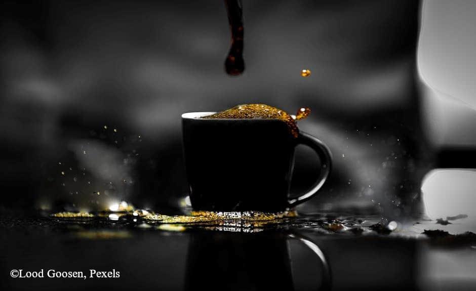 Kiöntött kávé