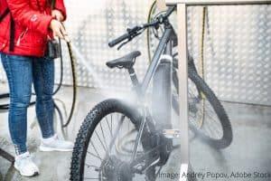 Hogyan védhetjük meg a kerékpárunk fém alkatrészeit WD-40 univerzális spray termékkel?