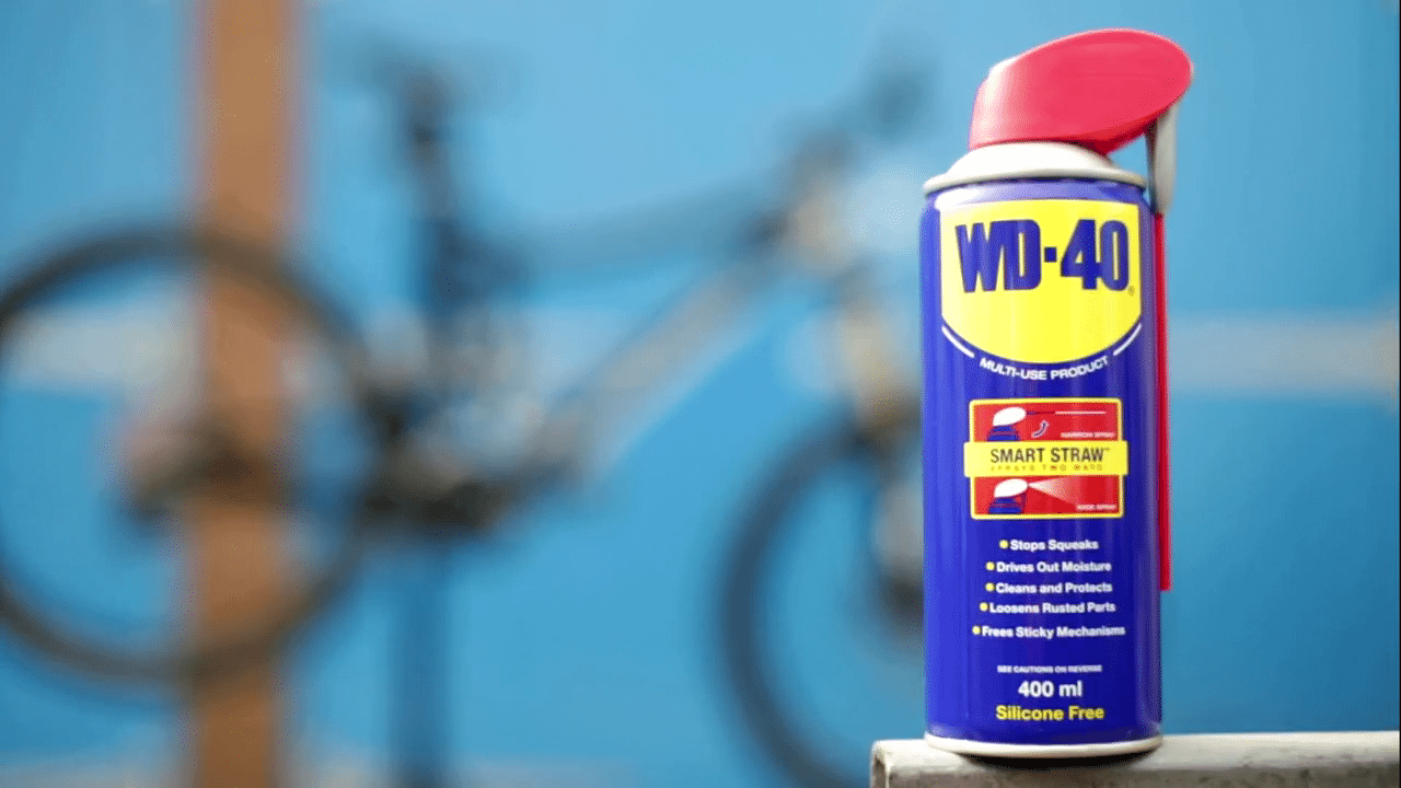 WD-40-PRODOTTO-MULTIFUNZIONE-per-la-protezione-delle-parti-metalliche-della-bici