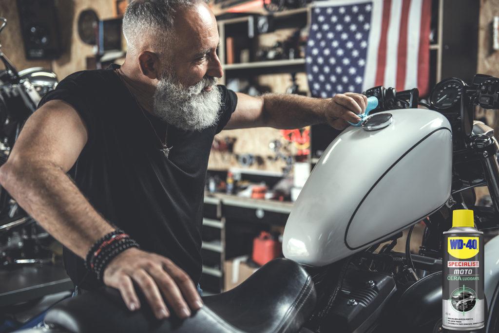 Pulire e Lucidare Cromature della moto in pochi passaggi