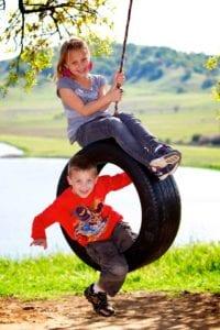 Come fare un'altalena con un pneumatico