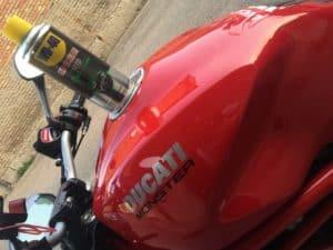 Come lucidare le plastiche della moto?