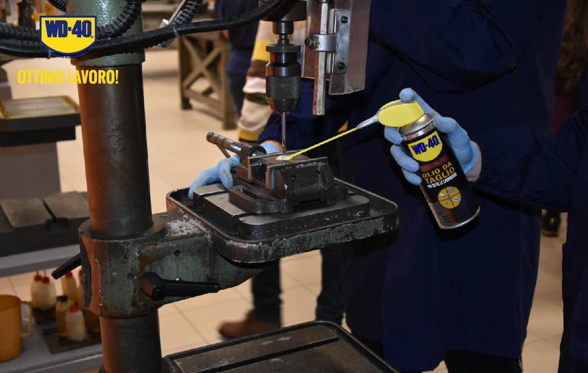 alesatura olio da taglio con wd 40 specialist