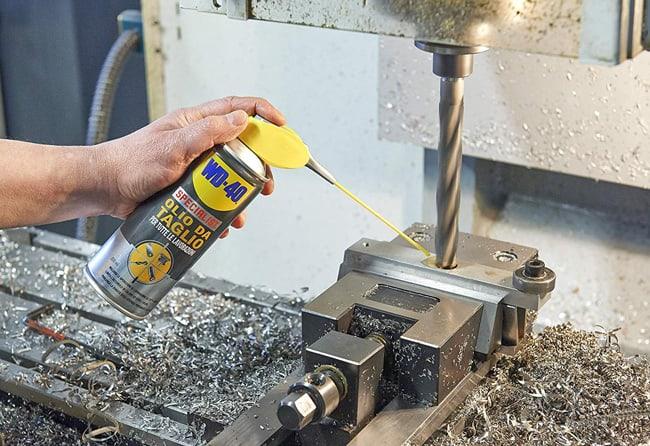 Olio da taglio e foratura: come si utilizza