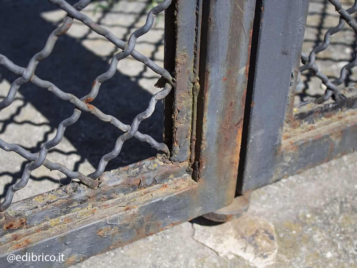 ruggine cancello