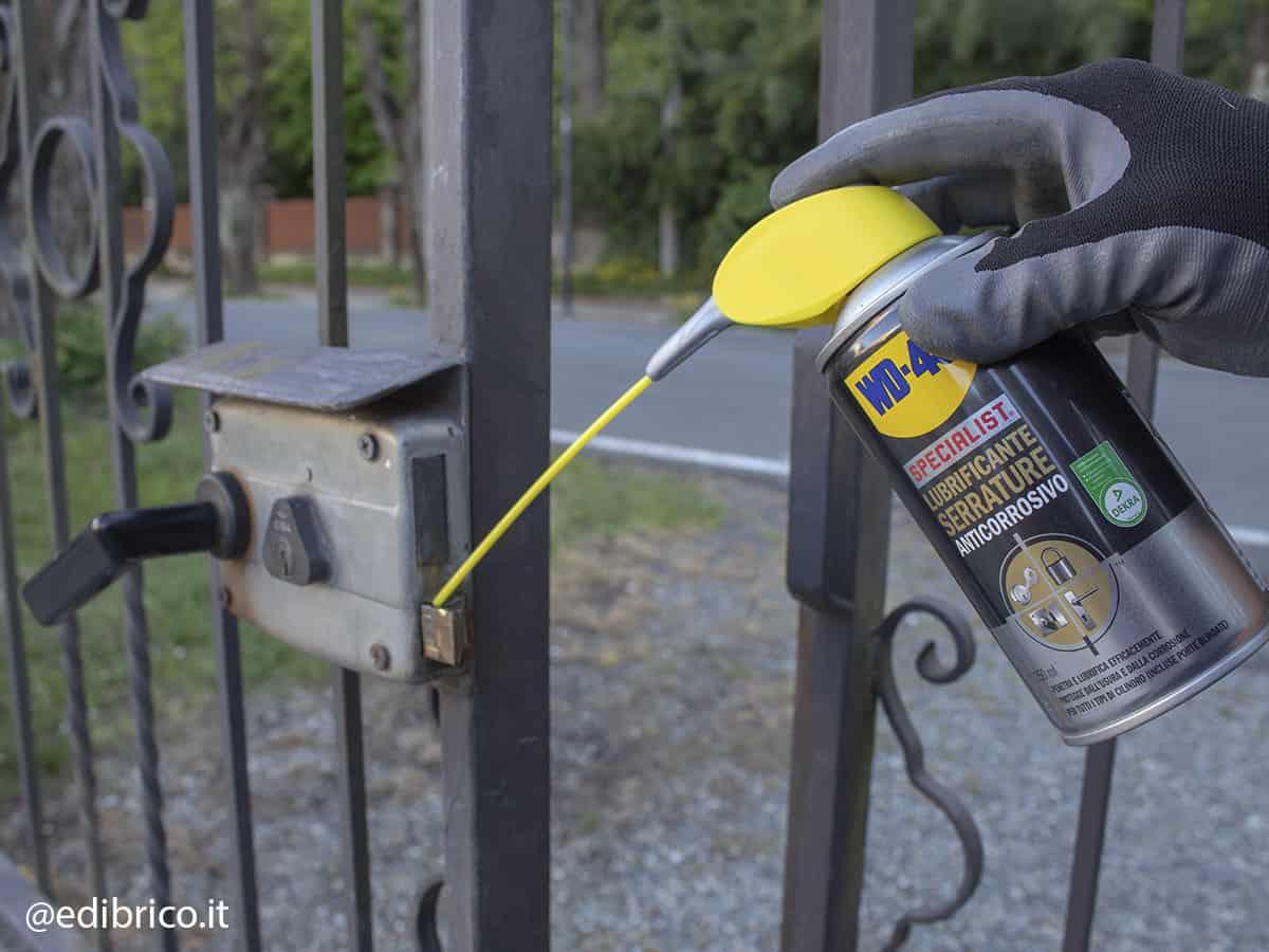 lubrificare serrature cancello