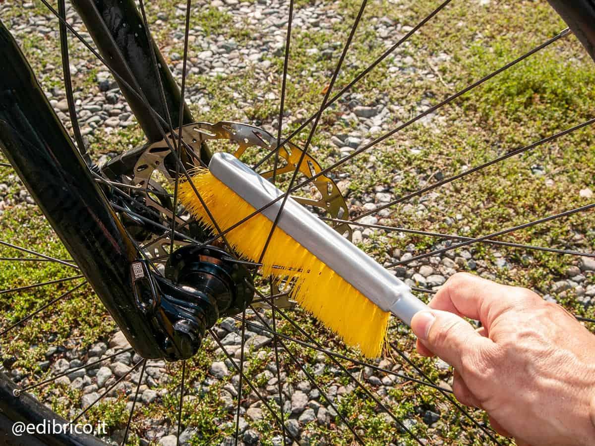Come fare manutenzione bici elettrica wd-40 e-bike bicicletta