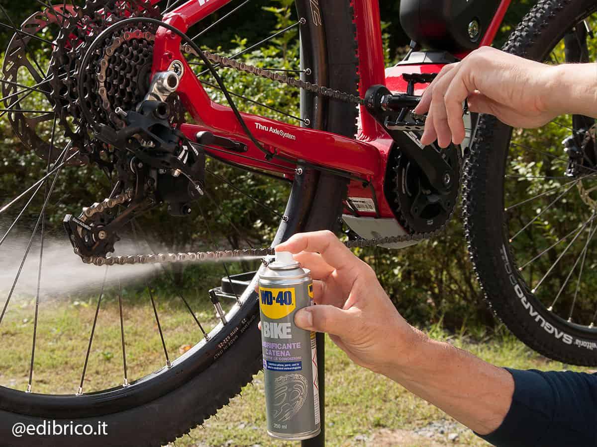 lubrificazione catena bici elettrica