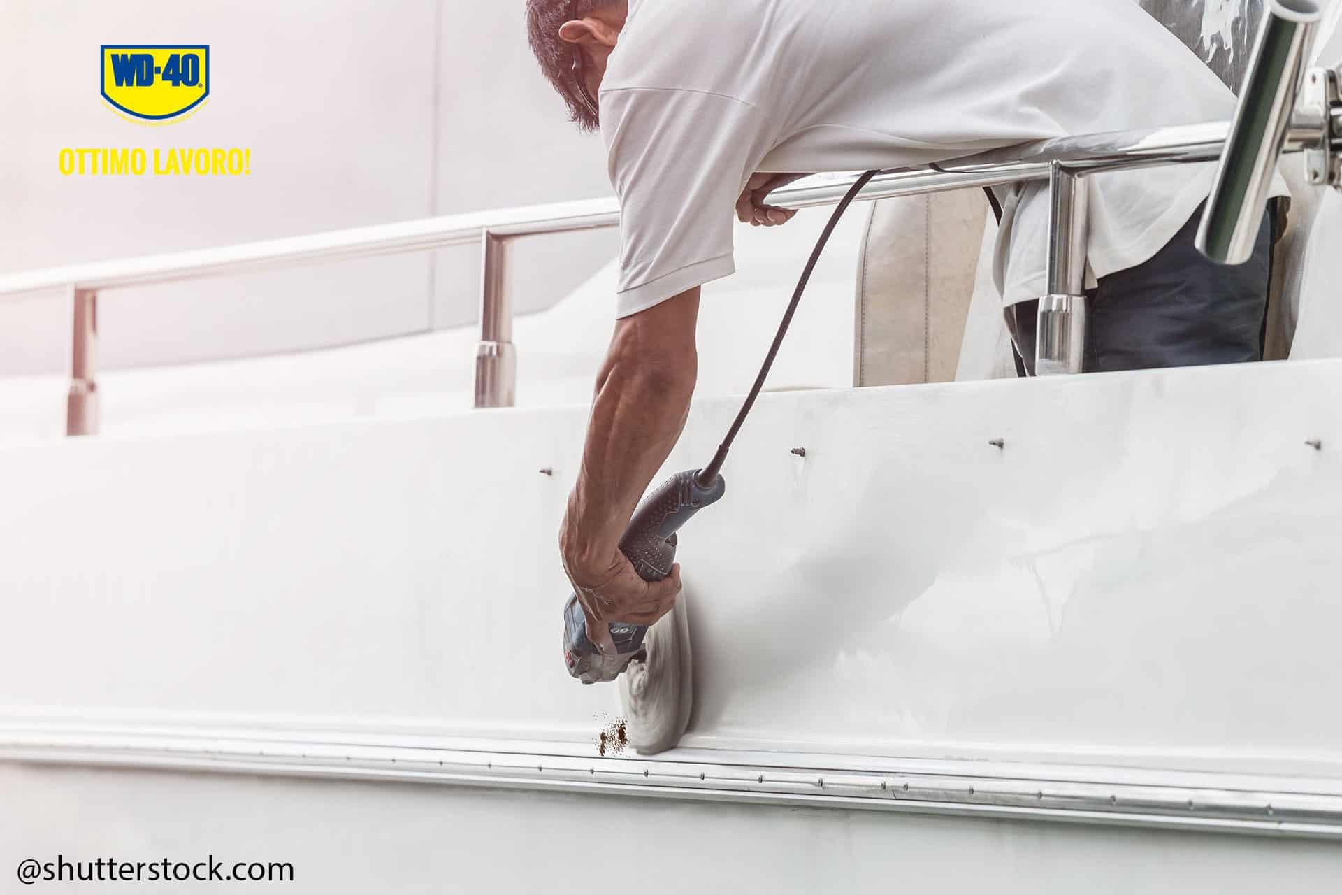 rimuovere ruggine dalla barca scena