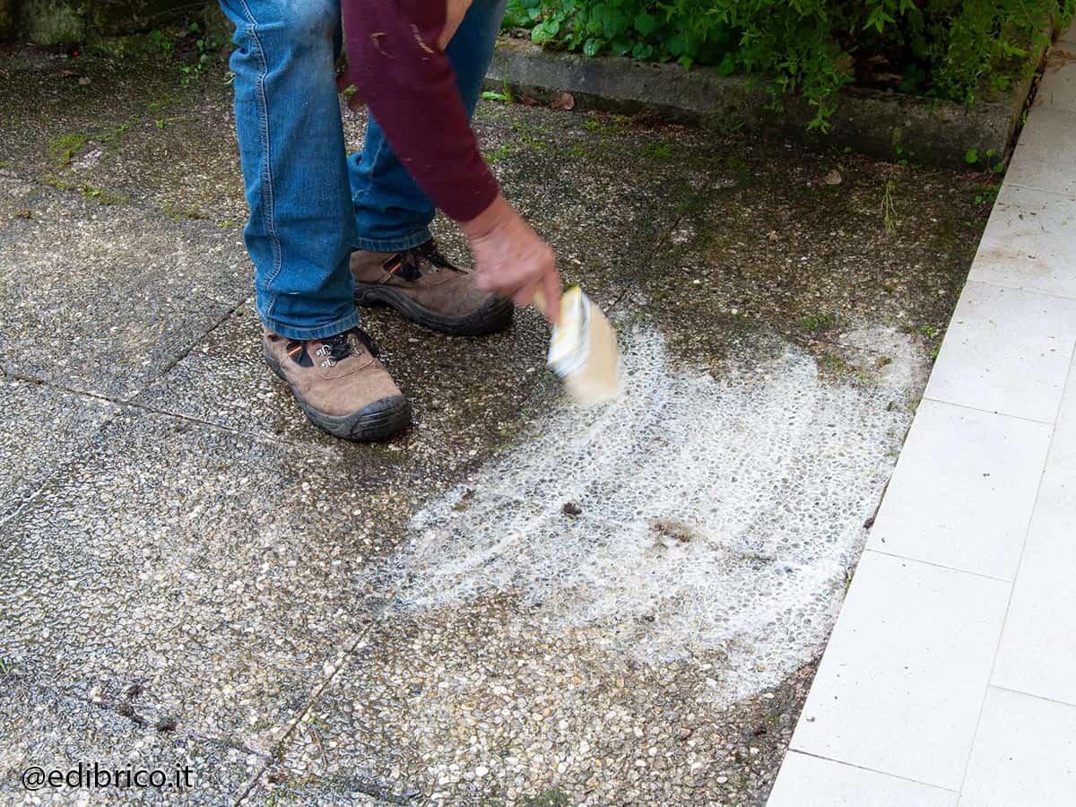 togliere cemento con acido