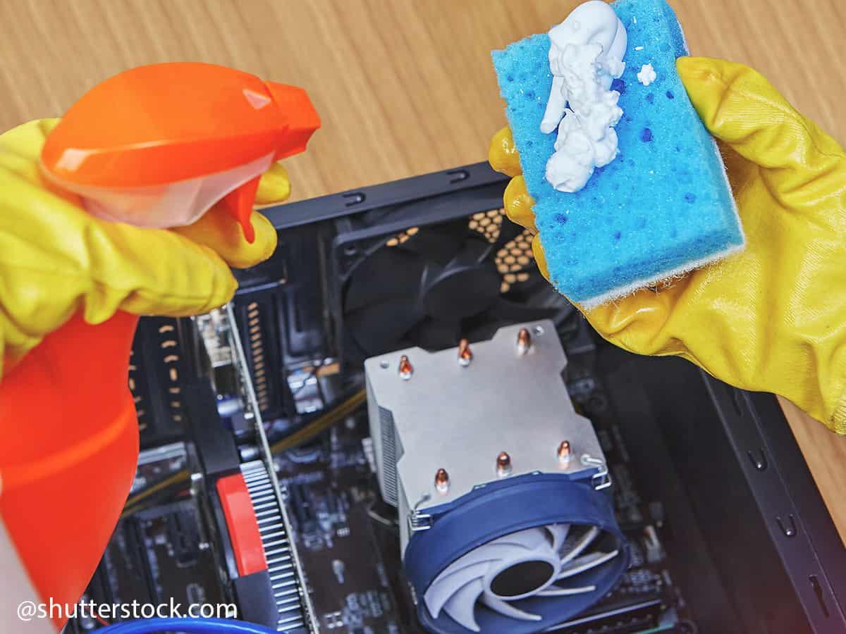 lavaggio circuiti stampati