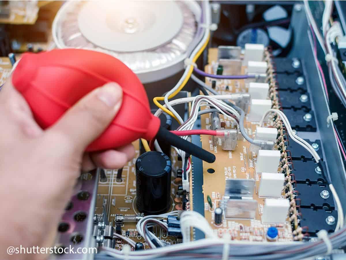 togliere polvere da circuito