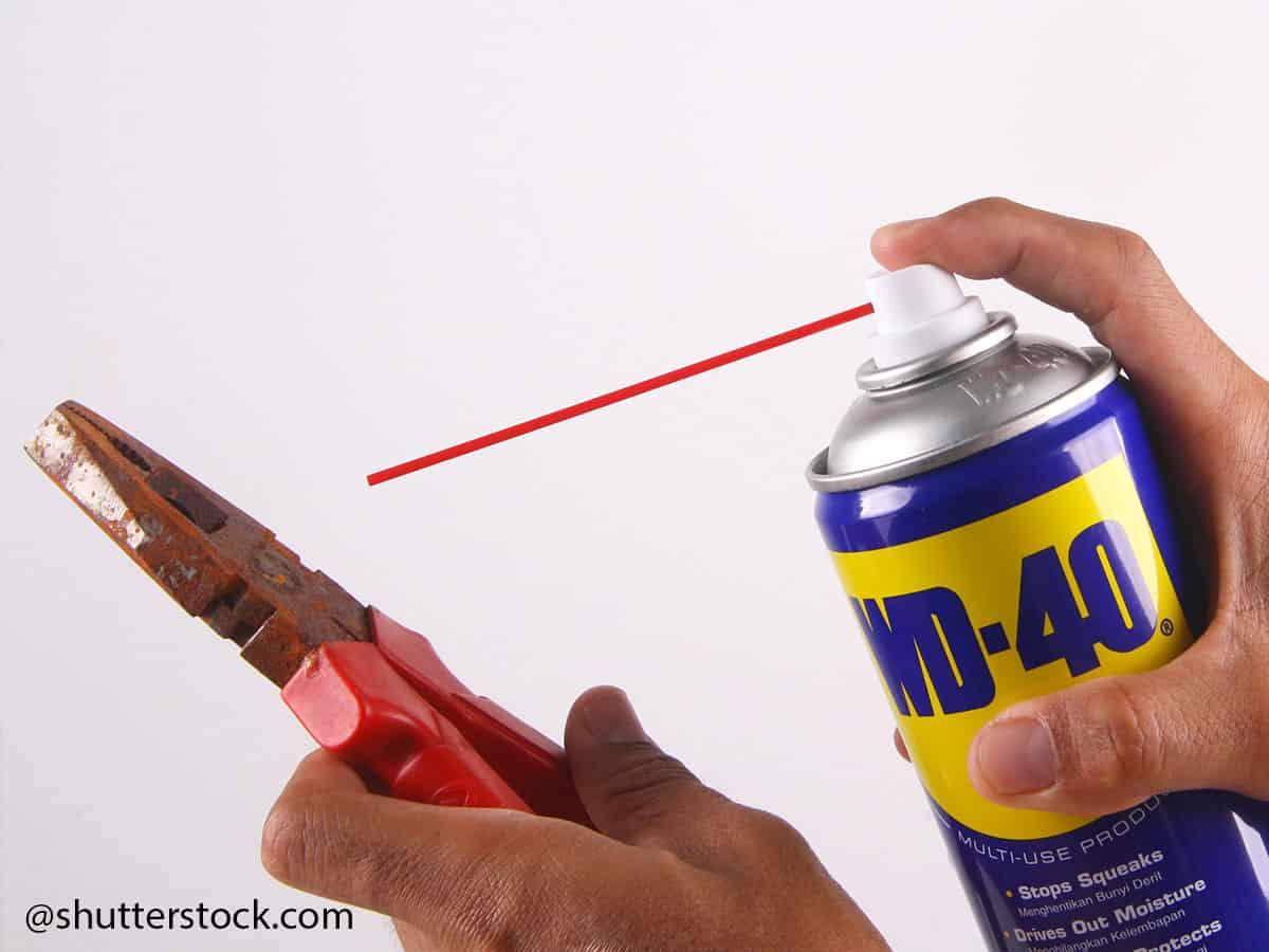 rimuovere la ruggine dagli utensili manuali