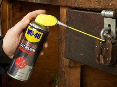 wd 40 specialist fast release penetrant usage shot