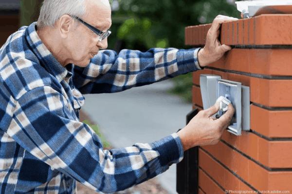 repareres en ødelagt dørklokke 1 (1)