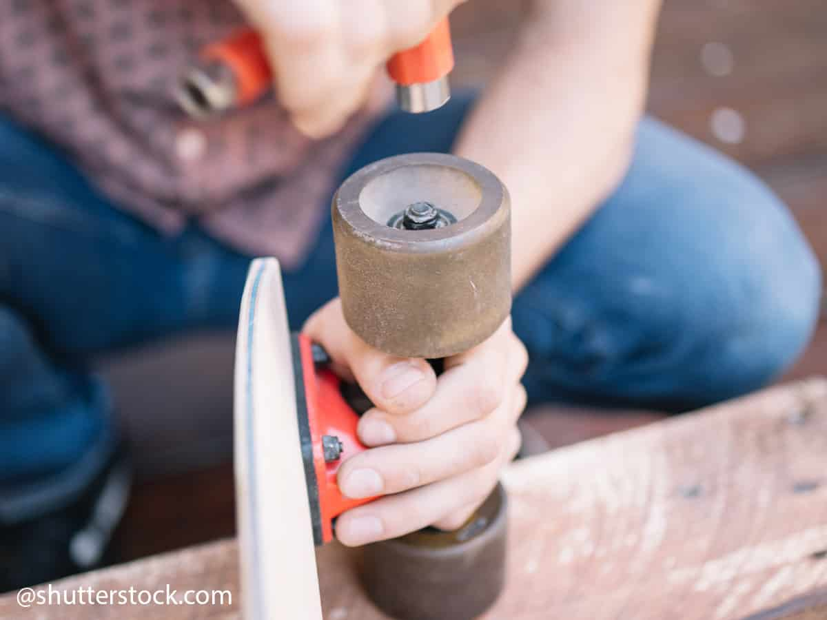 how to perform maintenance on your skateboard 1