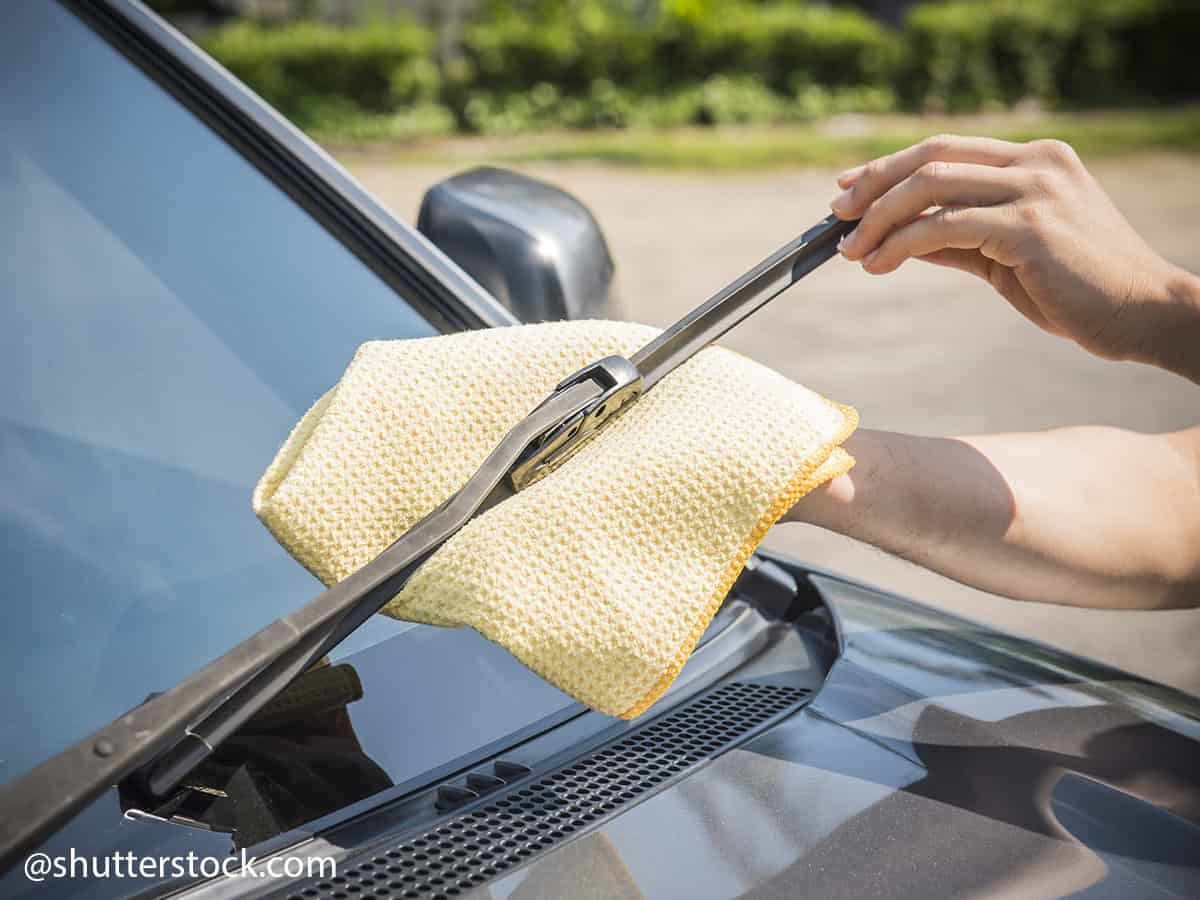 how to fix a broken or hardened windscreen wiper step 1