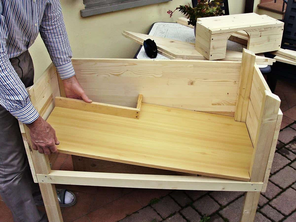 how to build a wooden rabbit hutch step 3