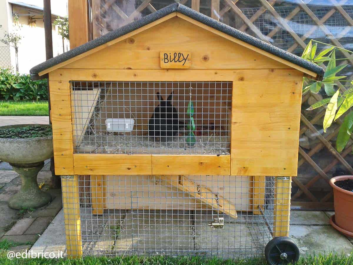 how to build a wooden rabbit hutch step 1