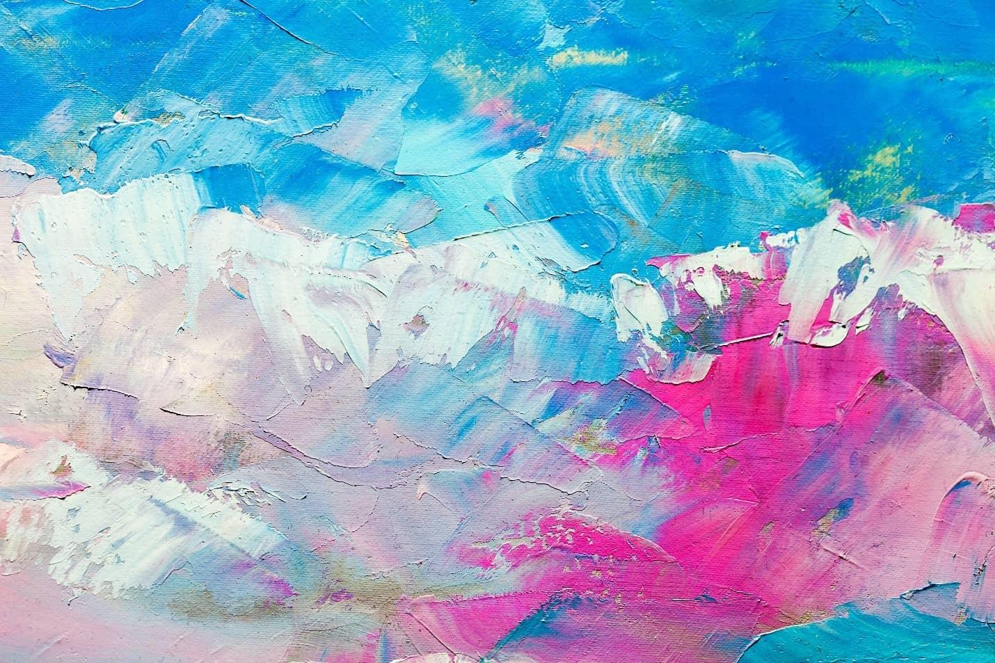 notīrīt krāsu no flīžu grīdas