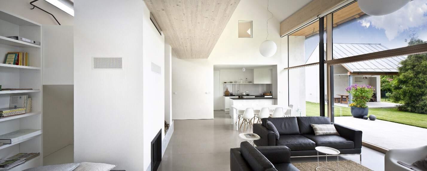 tīra māja