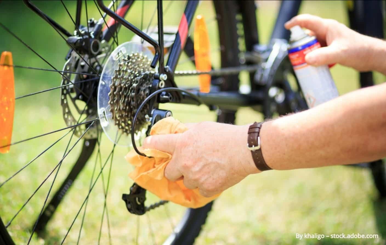 velosipēda ķēdes attaukotājs