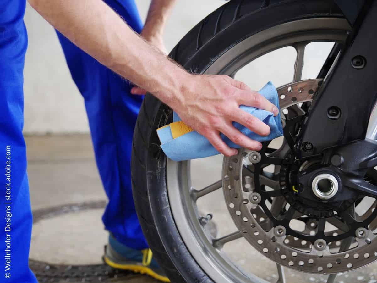 Kā notīrīt motocikla bremžu diskus