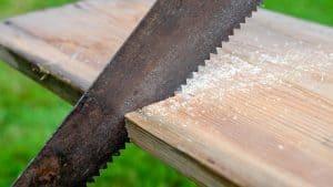 Comment nettoyer une scie rouillée? 5 étapes