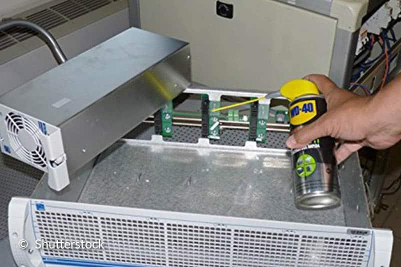 Nettoyer divers appareils électriques.