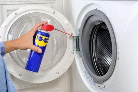 WD-40-thuisklussen-wasmachine deurscharnieren - deurscharnieren in huis - vensterscharnieren