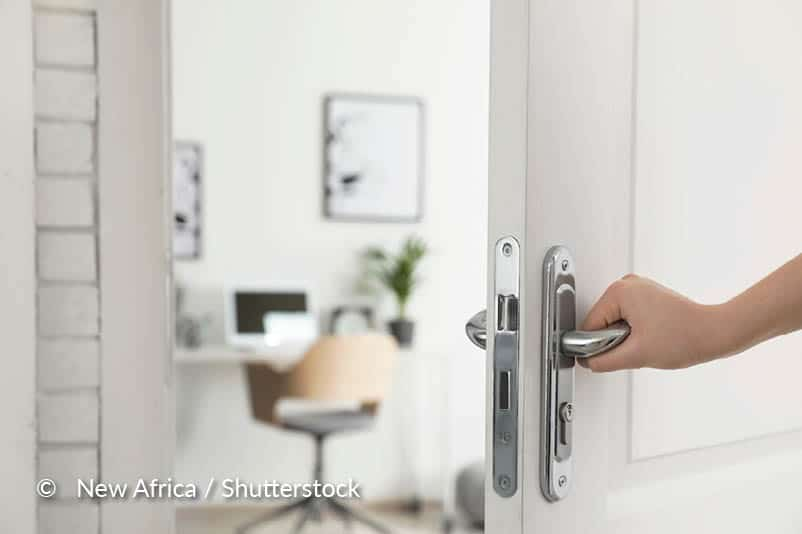 Demonteer de deur