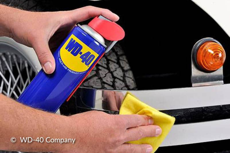 Insmeren met WD-40 Multi-Use Product