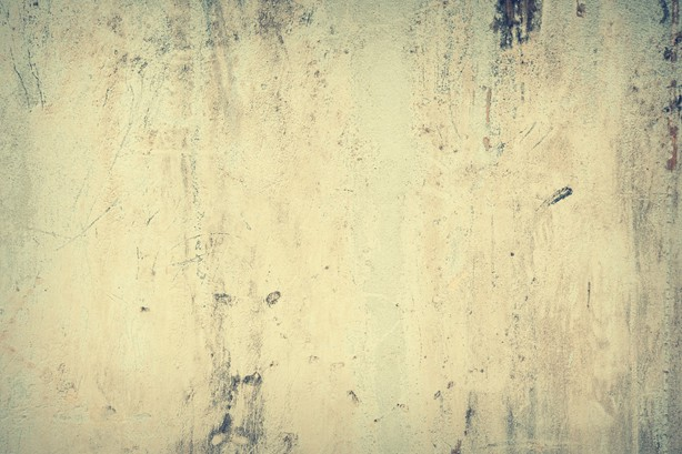 Fjerne flekker fra vegg