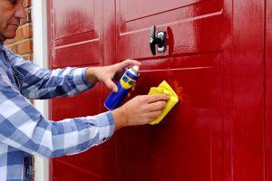 Konserwacja drzwi garażowych –Idealny smar do drzwi garażowych