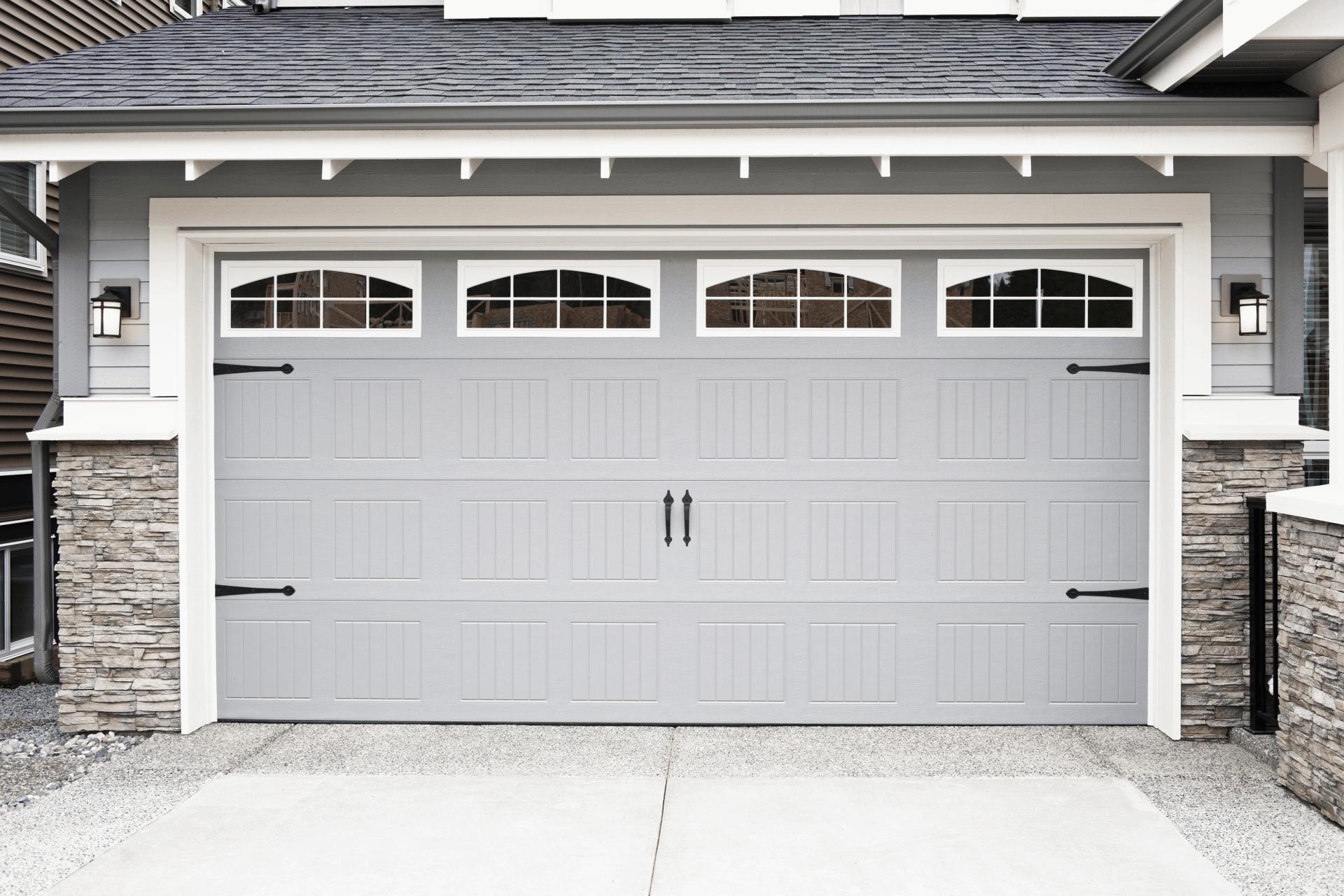 idealny smar do drzwi garazowych