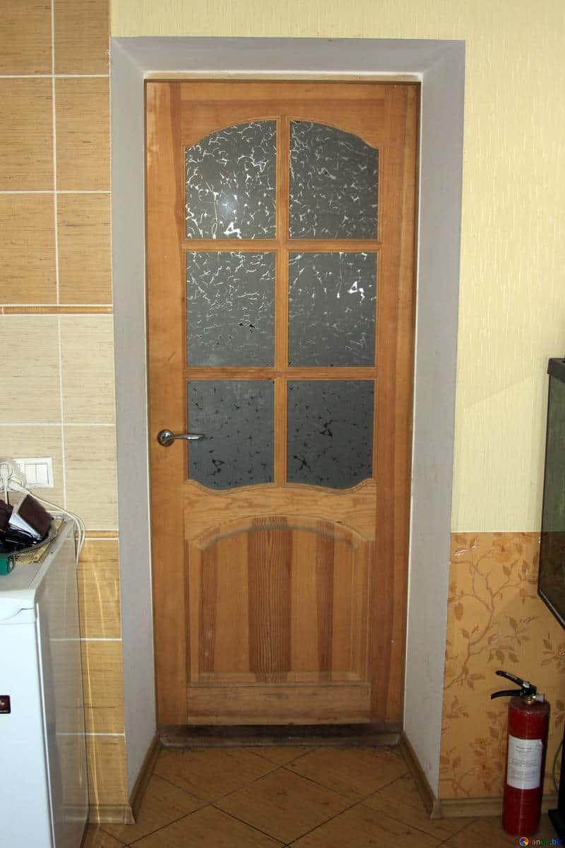skrzypiace drzwi