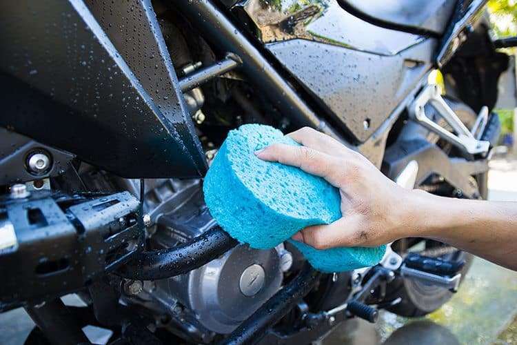 Como realizar uma ótima limpeza da moto?