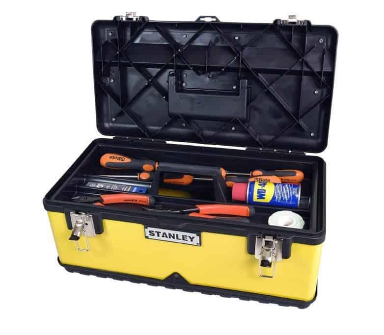 Ferramentas essenciais numa caixa de ferramentas