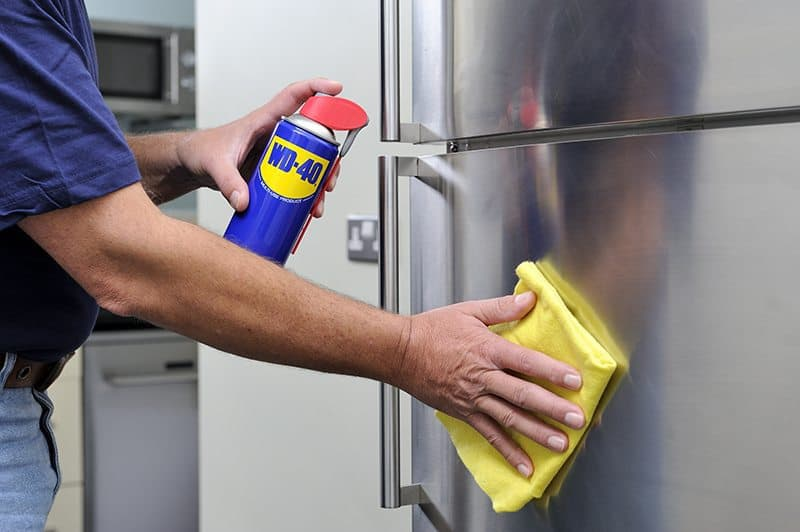 Como limpar inox manchado