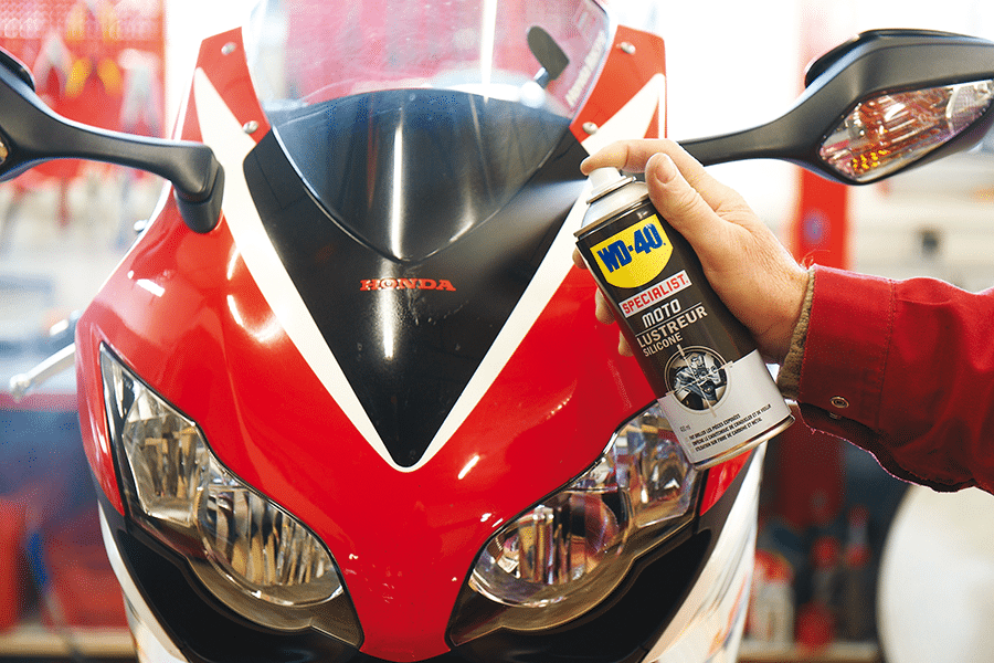 Como polir a moto com Renovador de Silicone